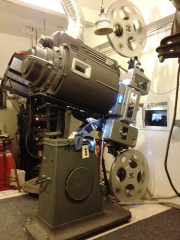 big-screen-projector